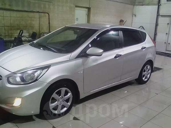Hyundai Solaris, 2011 год, 270 000 руб.