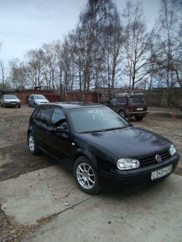 Volkswagen Golf, 2003 год, 230 000 руб.