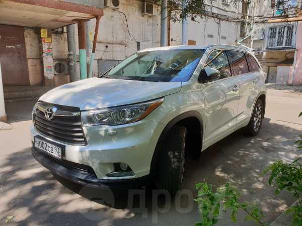 Toyota Highlander, 2014 год, 2 100 000 руб.