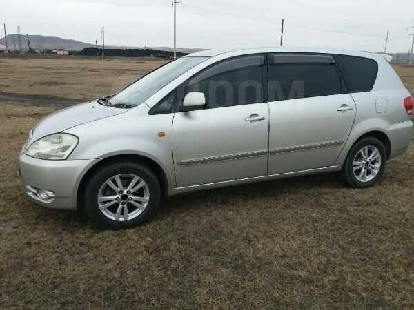Toyota Ipsum, 2002 год, 525 000 руб.
