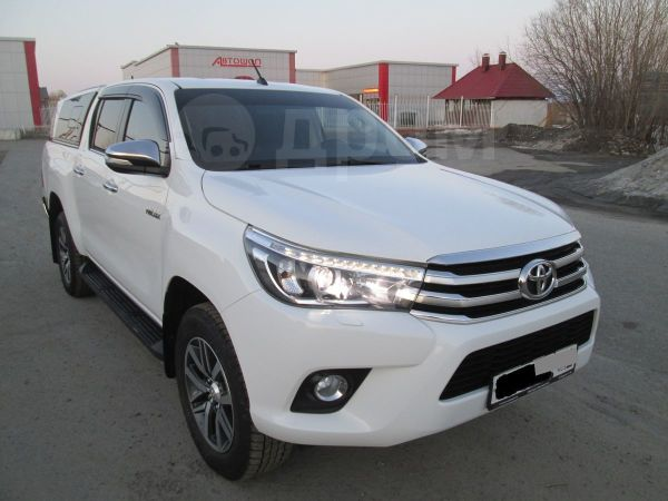 Toyota Hilux Pick Up, 2015 год, 2 330 000 руб.
