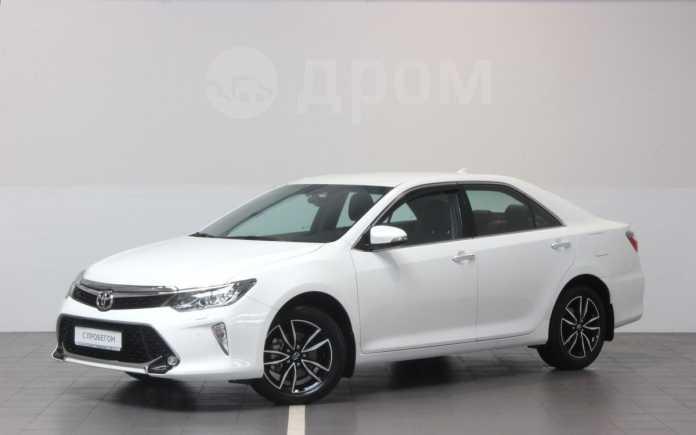 Toyota Camry, 2017 год, 1 645 000 руб.