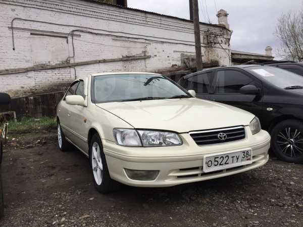 Toyota Camry, 2001 год, 310 000 руб.