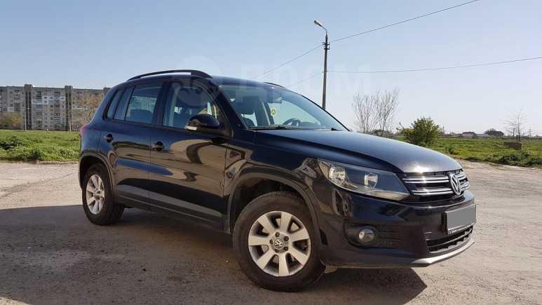 Volkswagen Tiguan, 2012 год, 680 000 руб.