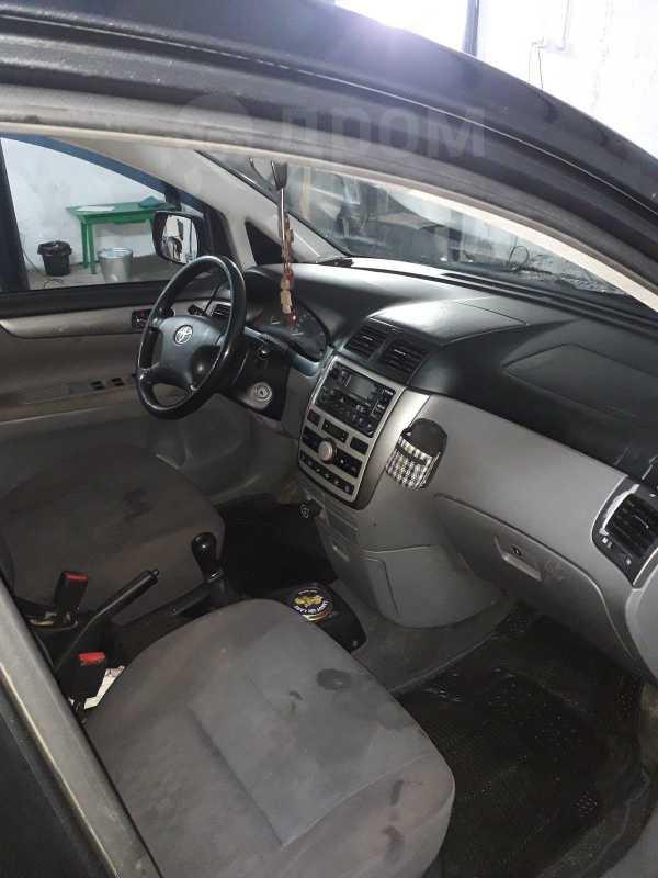 Toyota Avensis Verso, 2001 год, 300 000 руб.