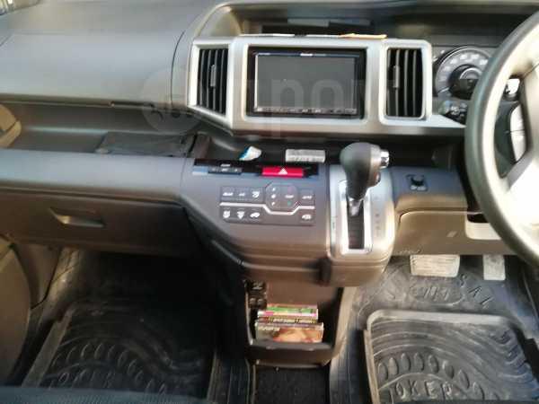 Honda Stepwgn, 2012 год, 895 000 руб.