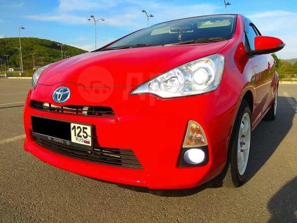 Toyota Aqua, 2012 год, 610 000 руб.