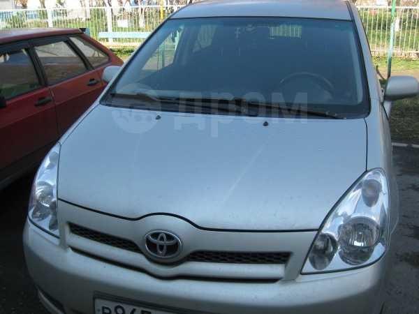 Toyota Corolla Verso, 2007 год, 450 000 руб.