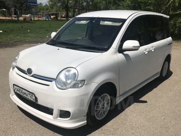 Toyota Sienta, 2009 год, 390 000 руб.