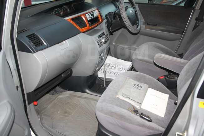 Toyota Noah, 2004 год, 510 000 руб.