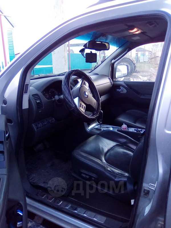 Nissan Navara, 2010 год, 890 000 руб.