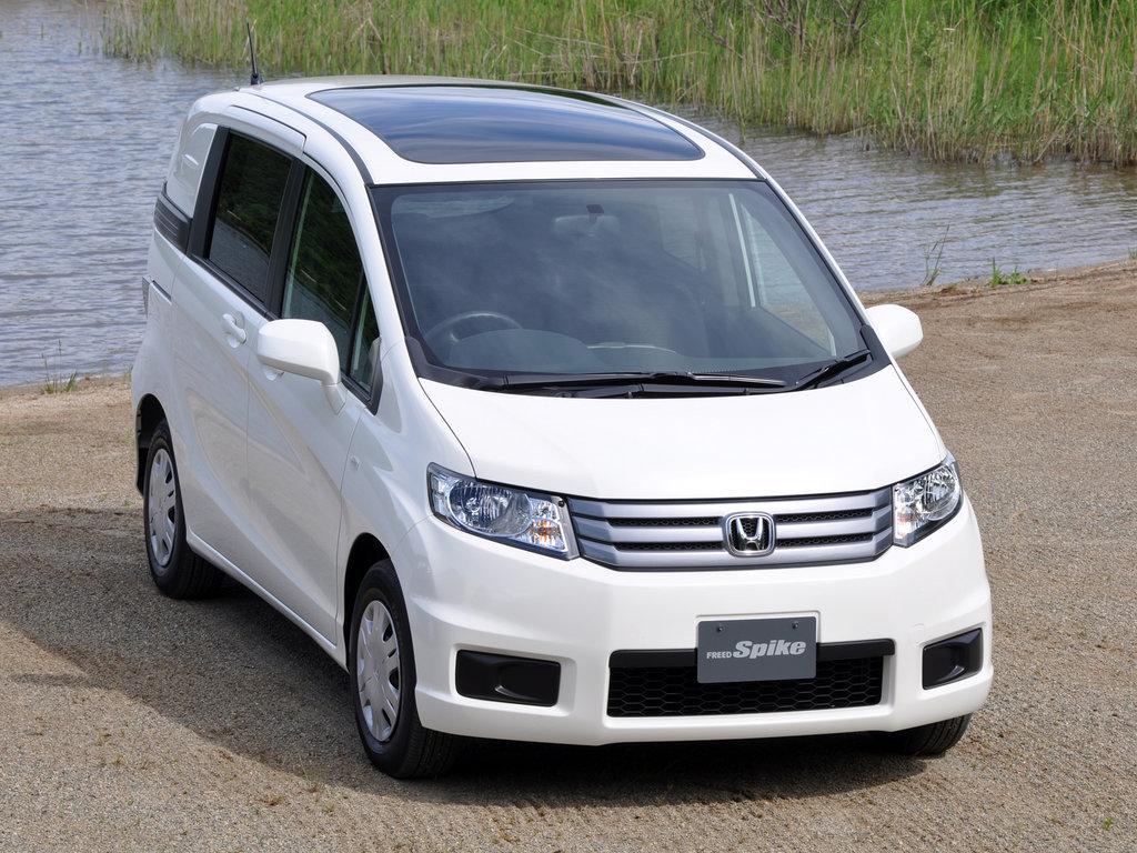Honda Freed Spike рестайлинг 2011, 2012, 2013, 2014 ...