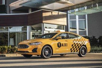 Гибридный Ford Fusion в городе расходует всего 5,8 л/100 км.