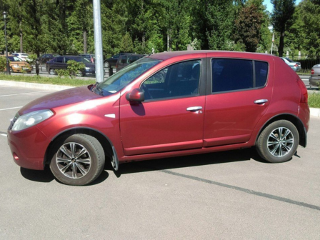Renault Sandero 2010 - отзыв владельца