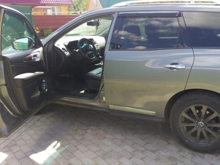 Nissan Pathfinder 2015 - отзыв владельца