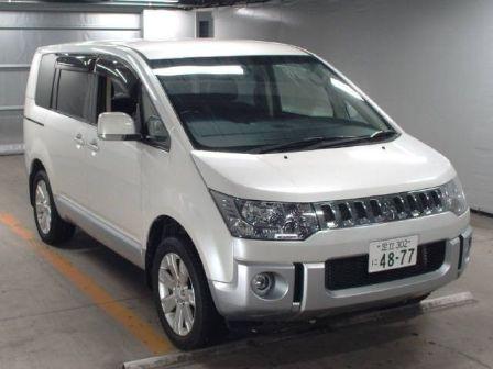 Mitsubishi Delica D:5 2013 - отзыв владельца