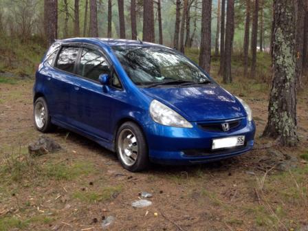 Honda Fit 2002 - отзыв владельца
