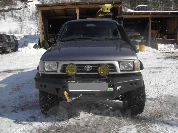 Toyota Hilux Pick Up, 2001 год, 750 000 руб.