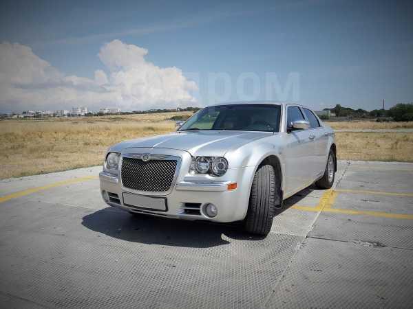 Chrysler 300C, 2004 год, 360 000 руб.