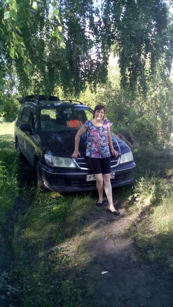 Nissan Presage, 1998 год, 185 000 руб.