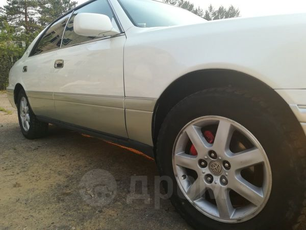 Toyota Crown, 1997 год, 245 000 руб.