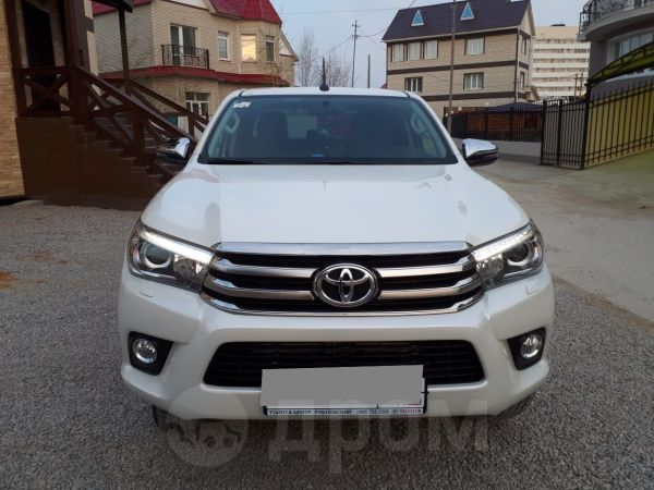 Toyota Hilux Pick Up, 2017 год, 2 800 000 руб.