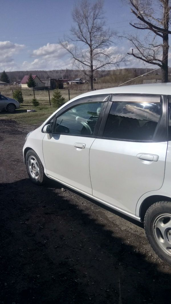 Honda Fit, 2001 год, 215 000 руб.