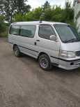 Toyota Hiace, 2001 год, 460 000 руб.