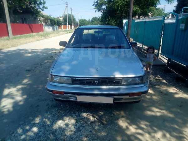 Nissan Bluebird, 1989 год, 60 000 руб.