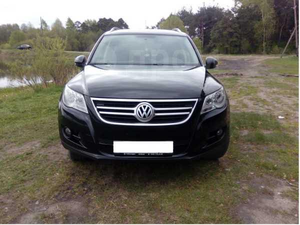 Volkswagen Tiguan, 2010 год, 710 000 руб.
