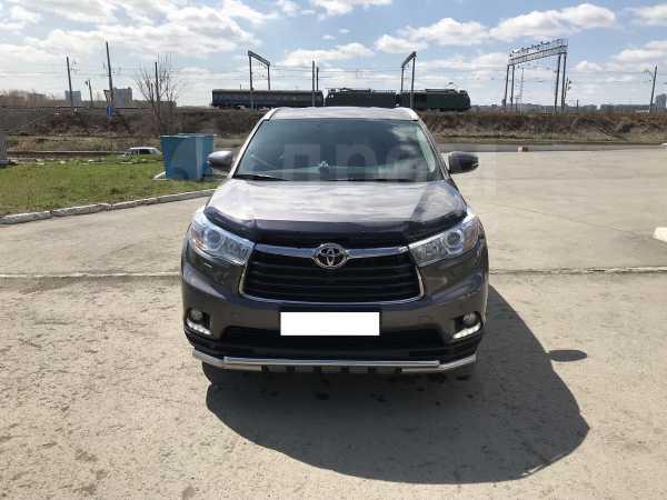 Toyota Highlander, 2015 год, 2 200 000 руб.