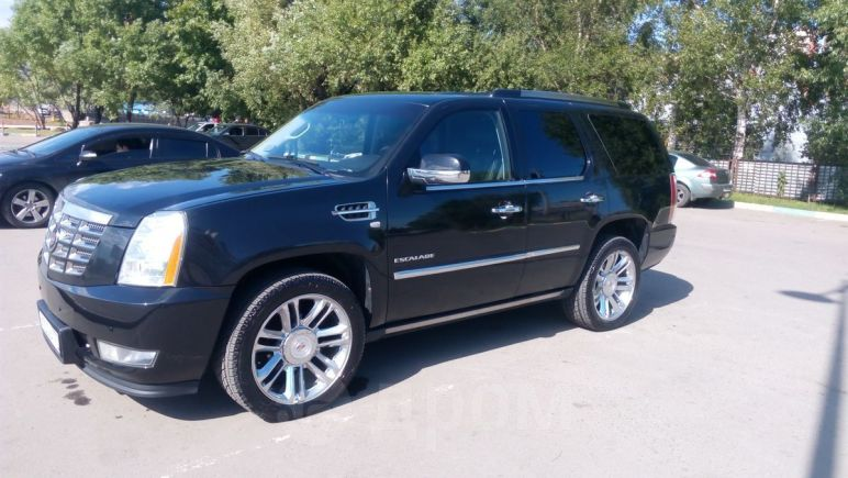 Cadillac Escalade, 2011 год, 1 380 000 руб.