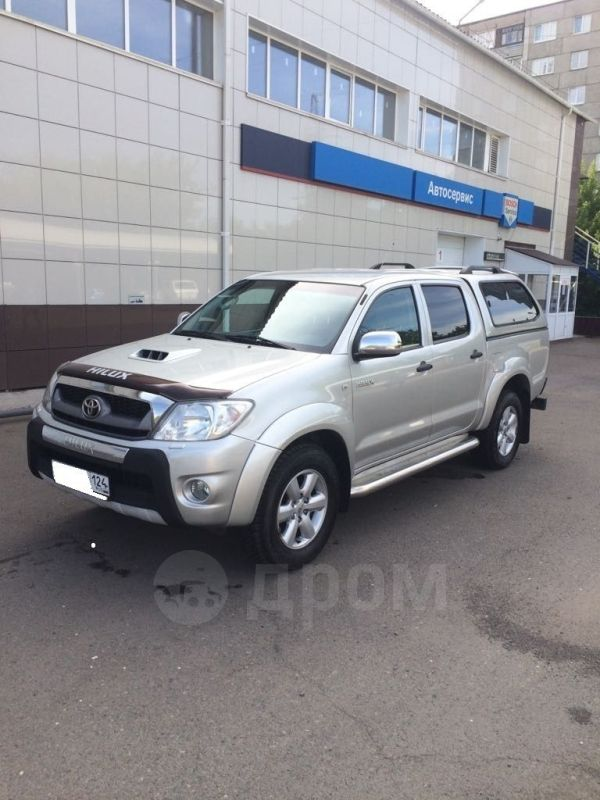 Toyota Hilux Pick Up, 2011 год, 1 290 000 руб.