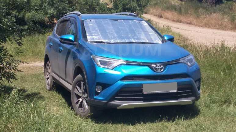 Toyota RAV4, 2015 год, 1 800 000 руб.
