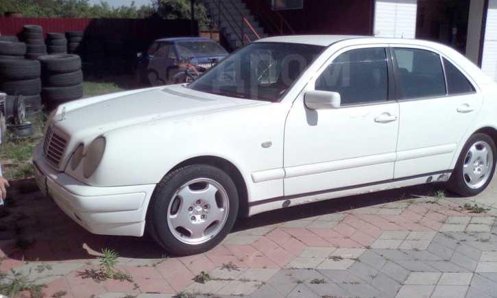 Mercedes-Benz E-Class, 1993 год, 270 000 руб.