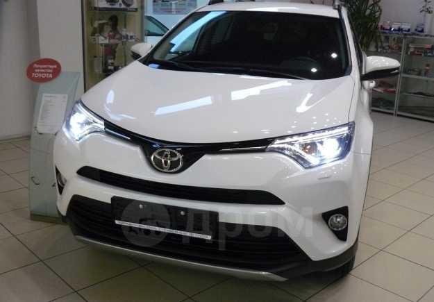 Toyota RAV4, 2018 год, 1 715 000 руб.