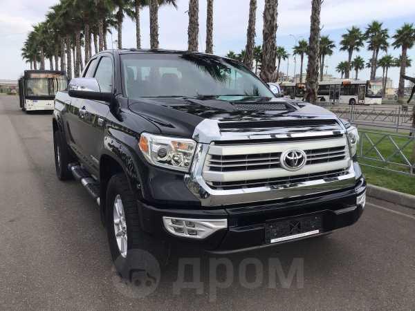 Toyota Tundra, 2015 год, 3 300 000 руб.