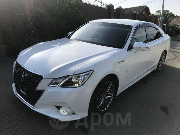 Toyota Crown, 2014 год, 1 715 000 руб.