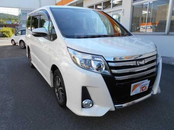Toyota Noah, 2015 год, 1 050 000 руб.