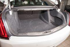 Объем багажника, л: 433