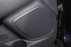 Дополнительное оборудование аудиосистемы: 6 динамиков, USB