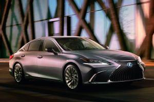 Lexus ES: от 2,58 млн рублей за 150-сильный мотор