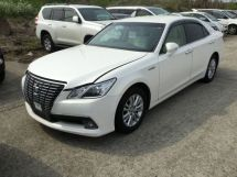 Toyota Crown, 2015