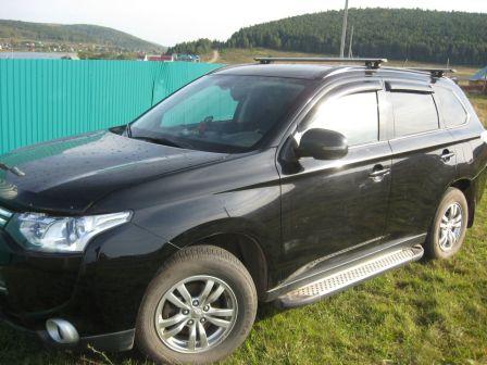 Mitsubishi Outlander 2014 - отзыв владельца