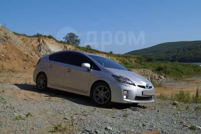Toyota Prius, 2011 год, 725 000 руб.
