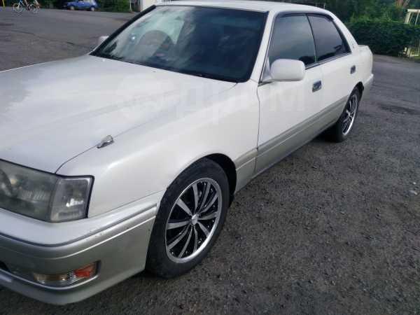Toyota Crown, 1999 год, 300 000 руб.