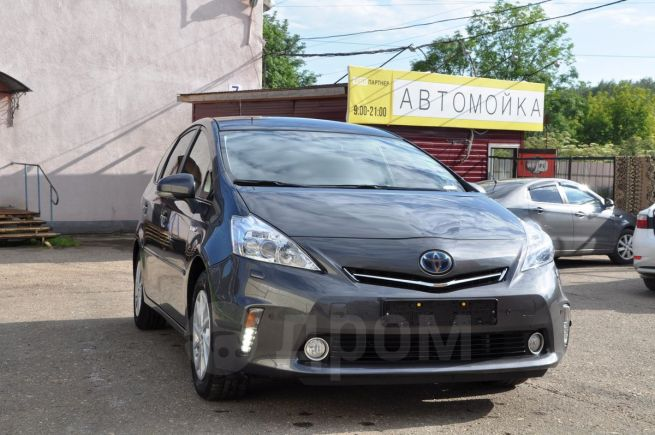 Toyota Prius v, 2013 год, 1 379 000 руб.