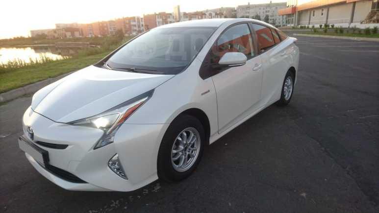 Toyota Prius, 2017 год, 1 865 000 руб.