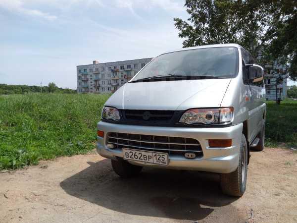 Mitsubishi Delica, 2002 год, 575 000 руб.
