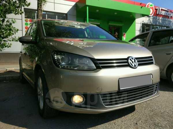 Volkswagen Touran, 2012 год, 680 000 руб.